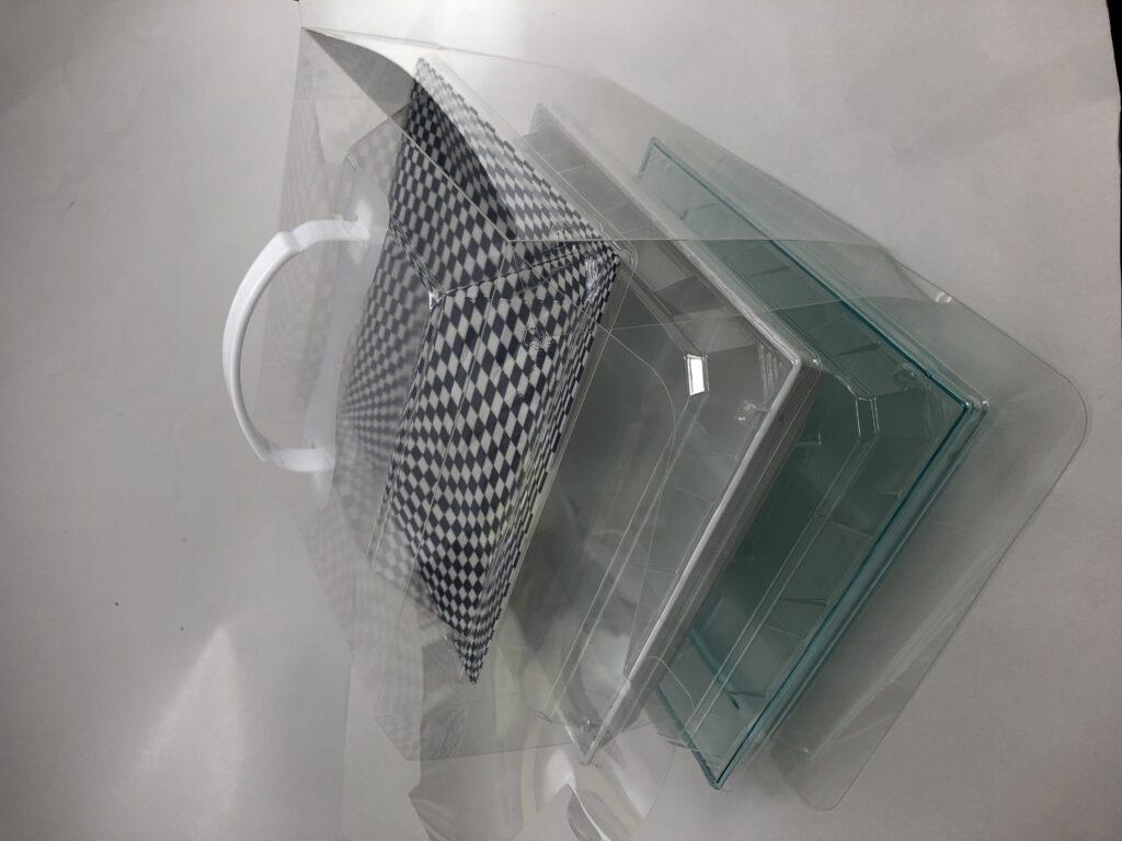 3段ケース正方形1